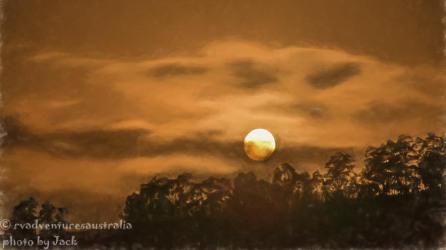 Full moon over Bretti